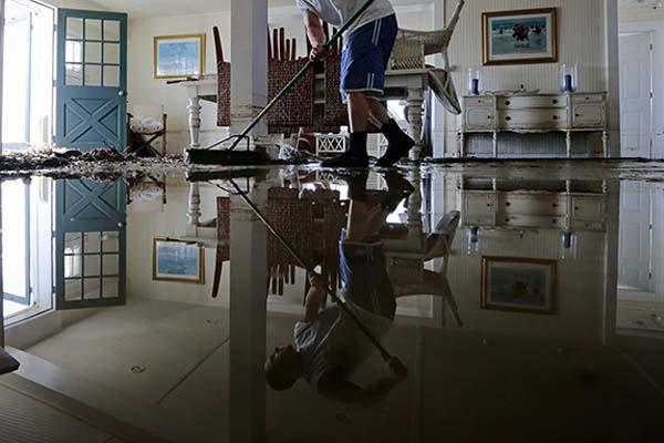 Limpieza de inundación en Barcelona